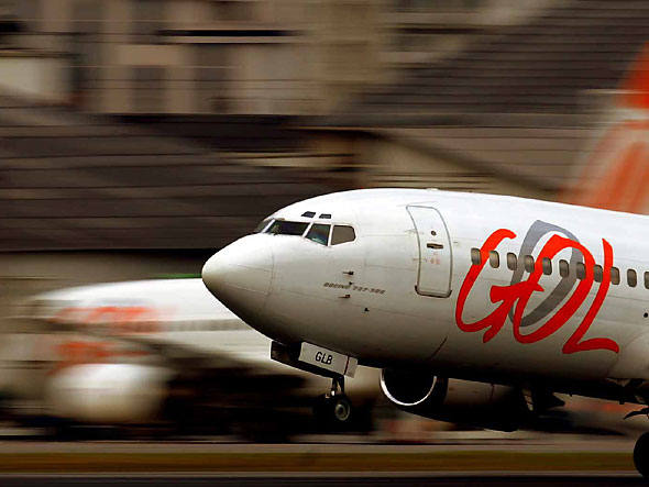 size_590_gol-aviao
