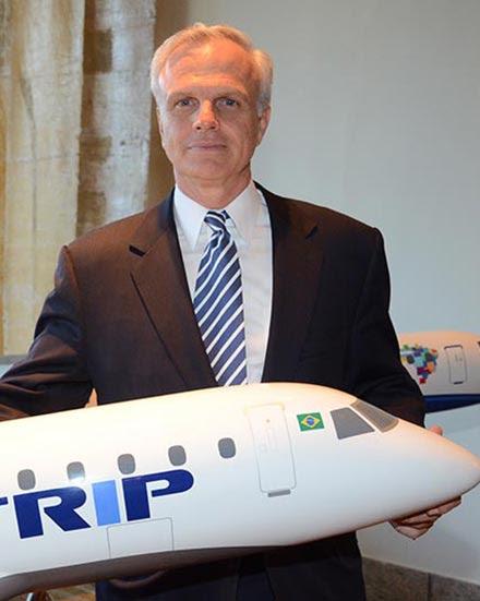 Aviação , David Neeleman, presidente da Azul S.A., que controla a Azul Linhas Aéreas e a Trip
