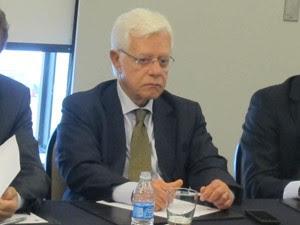 Moreira Franco em reunião com representantes de aéreas (Foto: Gabriela Gasparin/G1)