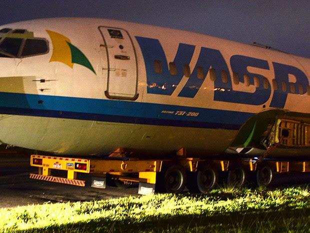 Boeing arrematado em leilão da Vasp foi levado para Araraquara para ser espaço de festas (Foto: Thaisa Figueiredo/G1)