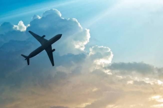 Avião: as aéreas dos EUA ocupam os primeiros lugares tanto por receita como em número de passageiros transportados e de aviões (ThinkStock/)