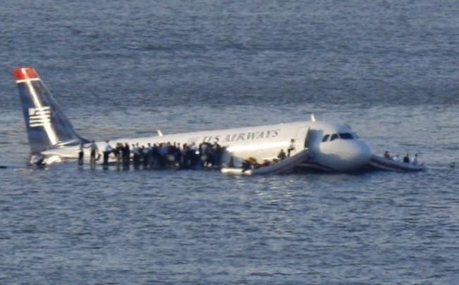 Piloto pousou Airbus no rio Hudson e todos os passageiros saíram ilesos (Brendan McDermid/Reuters)