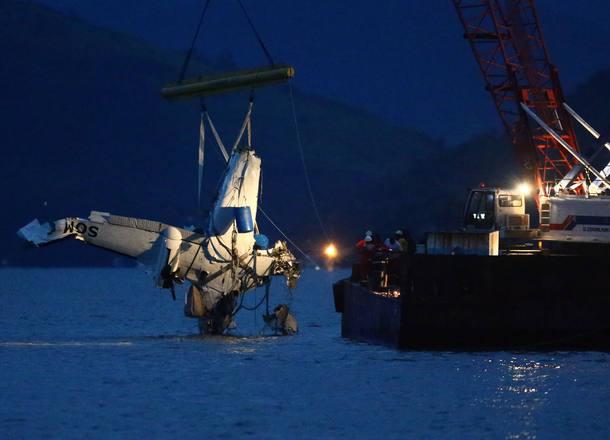 Destroços da aeronave acidentada foram retirados próximo à Ilha Rasa, em Paraty
